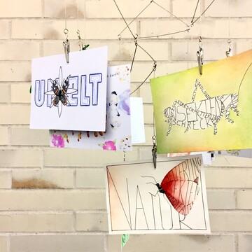 Postkarten Schülerarbeiten Typografie Illustration Thema Insektensterben Umwelt Natur Motiv Schmetterlinge