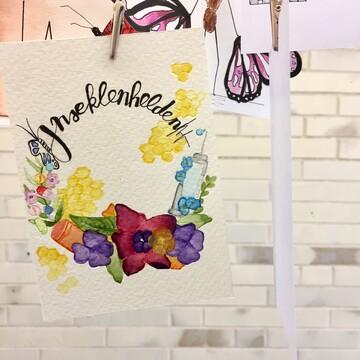 Insektenhelden Postkarten Blumenkranz Schmetterling Honigwaben farbenfroh