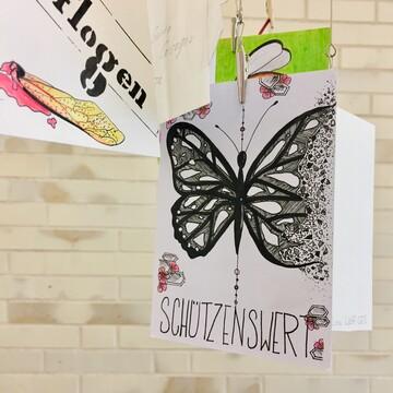 Postkarte schützenswert Insektensterben Schmetterling gezeichnet